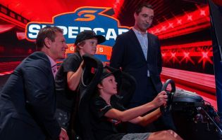 Supercars og Gfinity fornyer Supercars Eseries